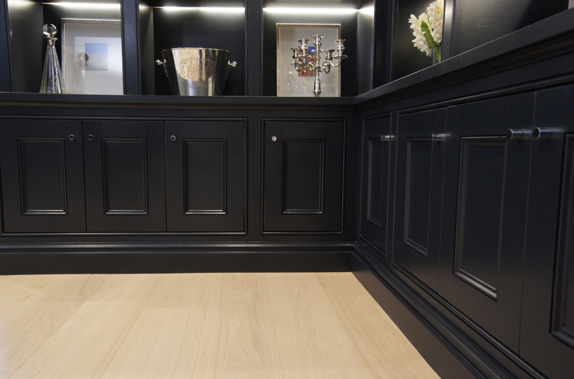 GW-Cabinetry-Interior-Solutions-Bookcases-8.jpg
